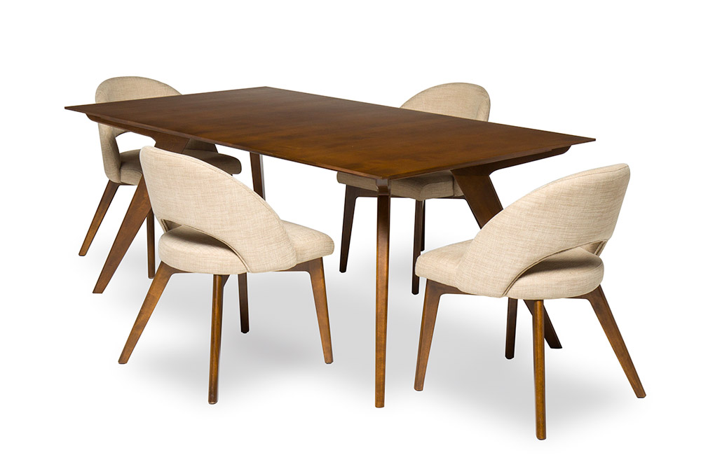 berg dining table and 4 chairs